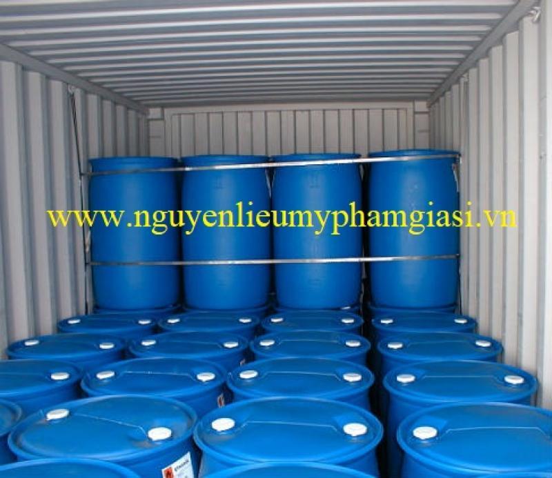 Dầu dừa – Bán dầu dừa giá sỉ làm nguyên liệu mỹ phẩm trên toàn quốc