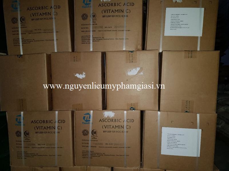 vitamin-c-gia-si-1-1538228304.jpg